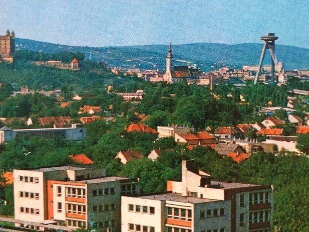 Stará Petržalka pred zbúraním v polovici 70. rokov.