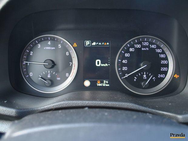 Pri dynamickej jazde padala ručička s benzínom ešte rýchlejšie ako obvykle.