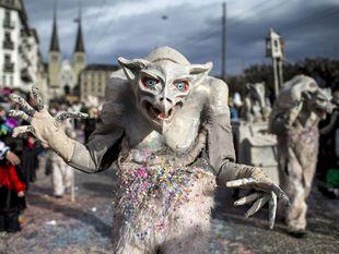Švajčiarsko, festival, masky, zviera,