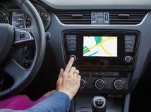 auto, volant, navigácia, povinná výbava, príplatková výbava