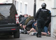 extrémisti, radikáli, polícia, zásah