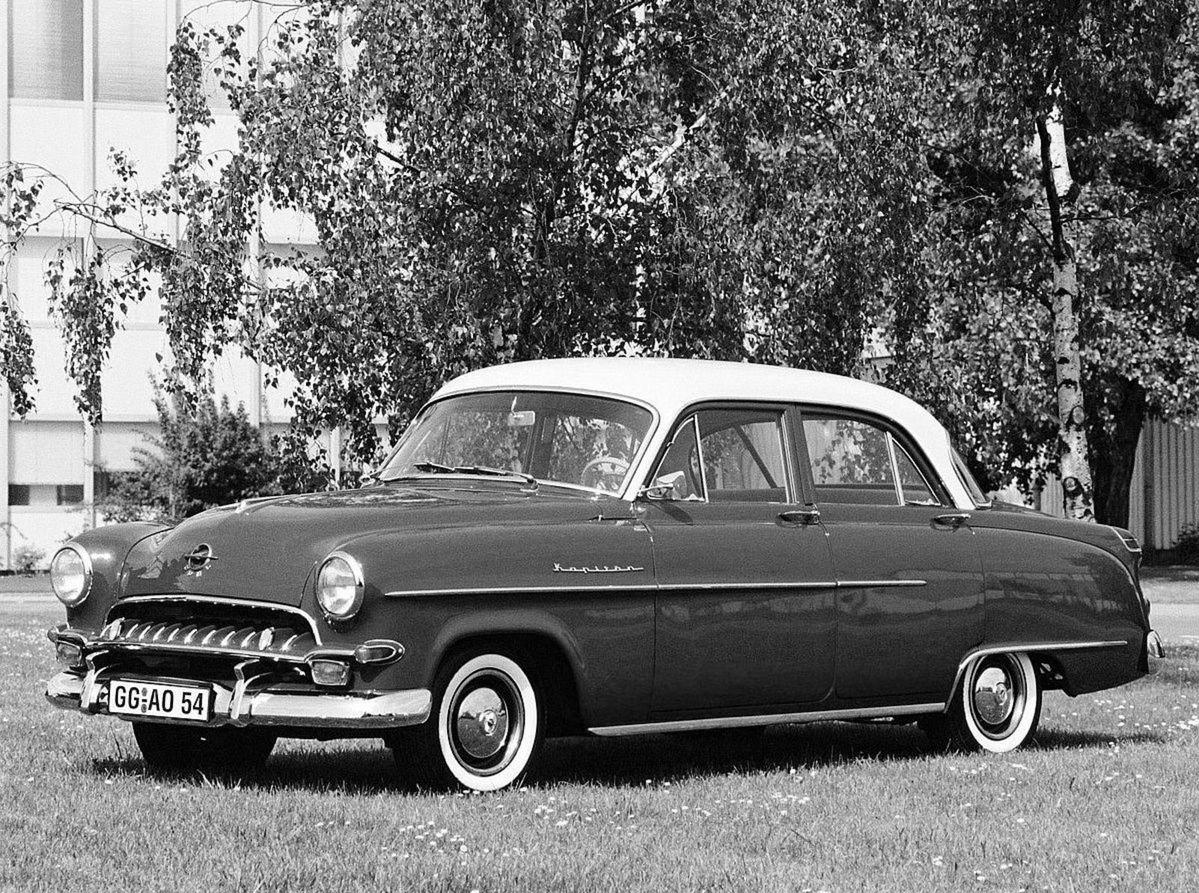 Dizajn si GAZ-21 v mnohom požičal od Opelu Kapitan. Ten sa začal vyrábať v roku 1953, teda tri roky pred Volgou.