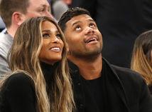 Speváčka Ciara a jej snúbenec Russell Wilson.