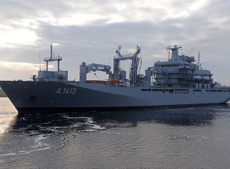 Lode NATO mieria do Egejského mora, zasiahnu proti pašerákom ľudí