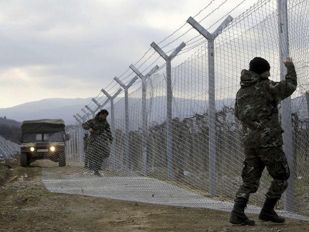 plot, hranice, utečenci,