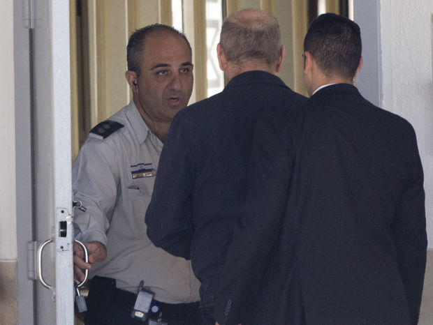 Ehud Olmert, Izrael, premiér, väzenie