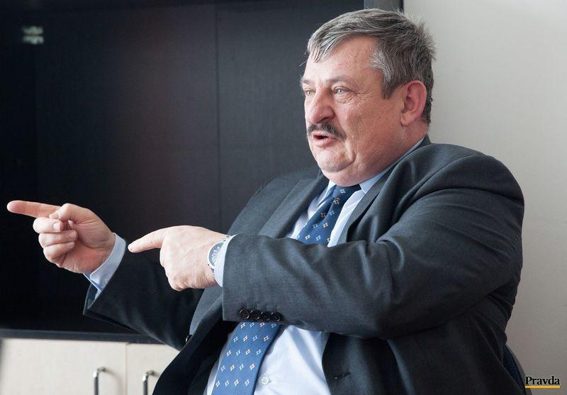Podpredseda SNS Anton Hrnko počas online rozhovoru s čitateľmi Pravda.sk.