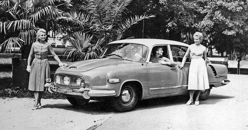Tatra 603 vznikala v utajení. Po zlegalizovaní sa vyrábala 20 rokov.
