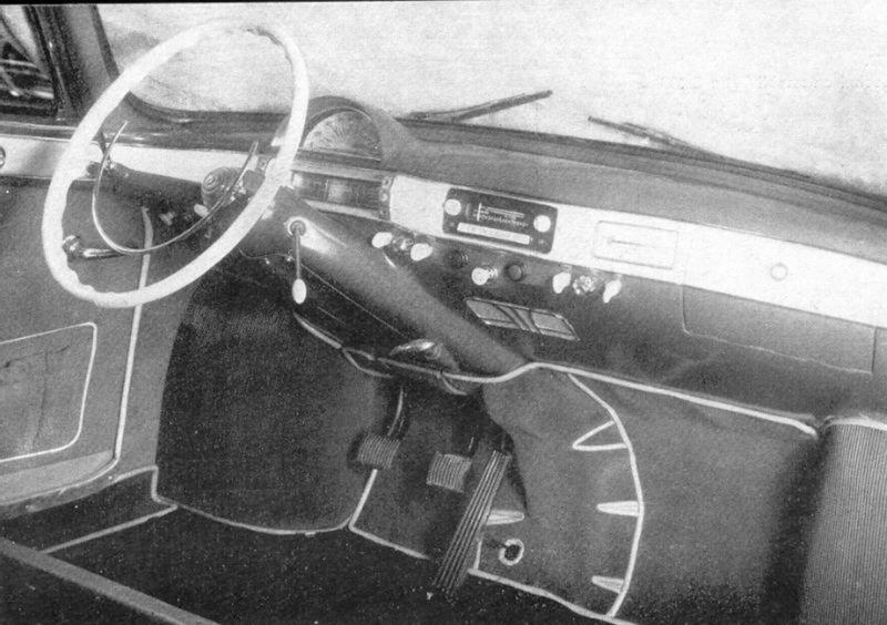 Interiér druhej generácie modelu s označením Tatra 603-2.