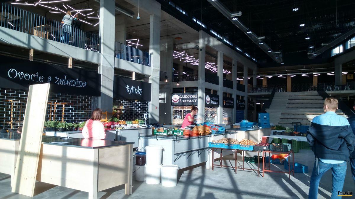Novootvorená farmárska tržnica na Rožňavskej ulici, asi 50 metrov za pôvodnou.