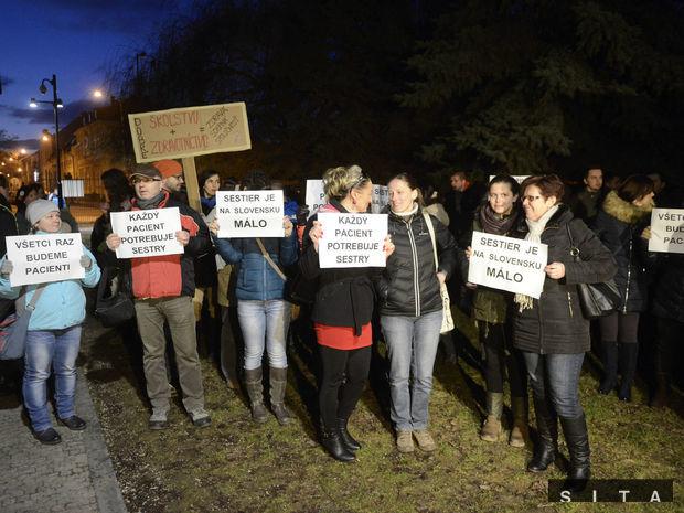 zdravotné sestry, protest, demonštrácia, paškov dom,