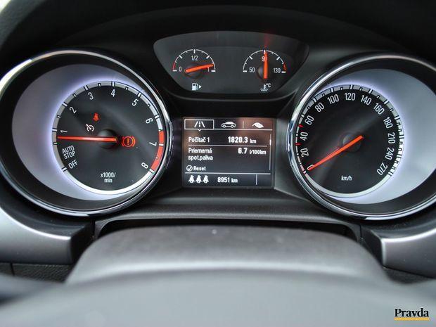 Priemerná spotreba sa pohybuje medzi 6 a 7 l/100 km. Kto chce jazdiť úsporne, uvidí na palubnom počítači aj 5 litrový odber.
