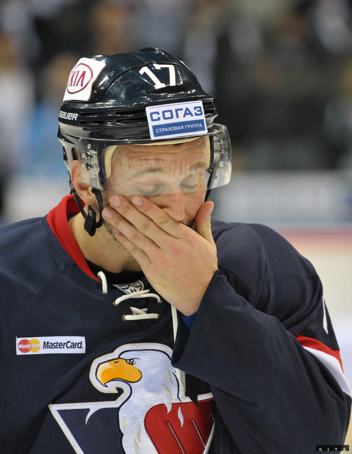 Slzy dojatia v tvári Ľubomíra Višňovského.