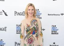 Herečka Cate Blanchett vo vyšívanej kreácii Gucci.