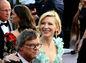 Nominovaná herečka Cate Blanchett v hľadisku počas oscarovej noci.