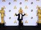 Emmanuel Lubezki získal Oscara za najlepšiu kameru za film Revenant Zmŕtvychvstanie.