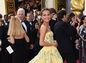 Herečka Alicia Vikander žiarila v citrónovej kreácii Od Louis Vuitton.