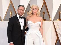 Speváčka Lady Gaga a jej snúbenec Taylor Kinney.