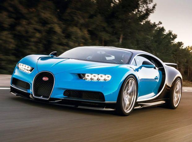 Dizajn Chironu si berie za vzor jedno z najkrajších Bugatti všetkých čias. Model 57SC Atlantic, ktorý bol dielom syna zakladateľa značky - Jeana Bugattiho. Aj preto sa objavujú po stranách mohutné oblúky, slúžiace ako prívod vzduchu k obrovskému agregátu.
