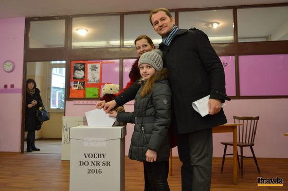 Lídra OĽaNO-NOVA Igora Matoviča sprevádzala celá rodina.