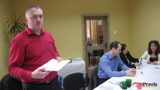 Predseda okrskovej volebnej komisie v Demänovskej doline Miroslav Vozárik si na nezáujem voličov o voľby zatiaľ rozhodne sťažovať nemohol.