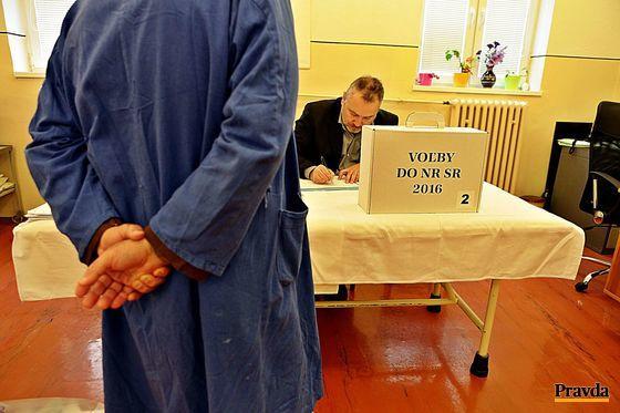 O voľby prejavili záujem aj ľudia za mrežami, napríklad vo väzenskej nemocnici v Trenčíne.
