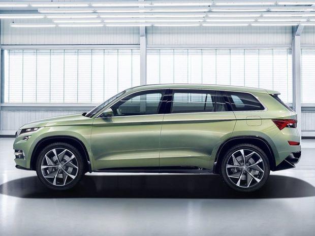 Na dĺžku má VisionS 4 700 mm, čo je približne o 21 cm viac v porovnaní s VW Tiguan. V interiéri má totiž tri rady sedadiel.