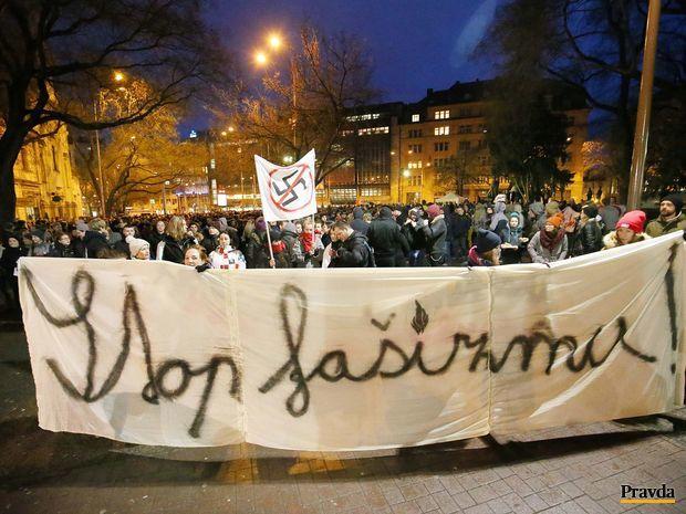 pochod proti fasizmu