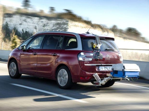 """Najväčšiu odchýlku zaznamenal Citroën C4 Grand Picasso. V reále si """"potiahne"""" až o 55 % viac paliva."""