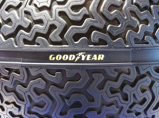 Guľatá pneumatika by využila princíp magnetickej levitácie. Vozidlo by sa teda nad pneumatikami vznášalo. Dezén musí spĺňať kritériá pri odvaľovaní sa ľubovoľným smerom.