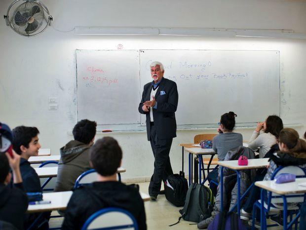 Američan Thomas Webber učí angličtinu študentov v Damasku na Lycée Français Charles de Gaulle.