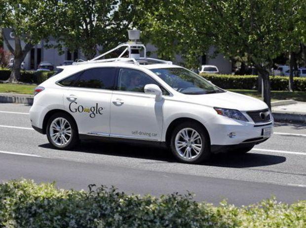 Autonómne vozidlá Google majú najazdených už viac ako 2,7 milióna testovacích kilometrov. Z toho 1,6 v autonómnom režime.