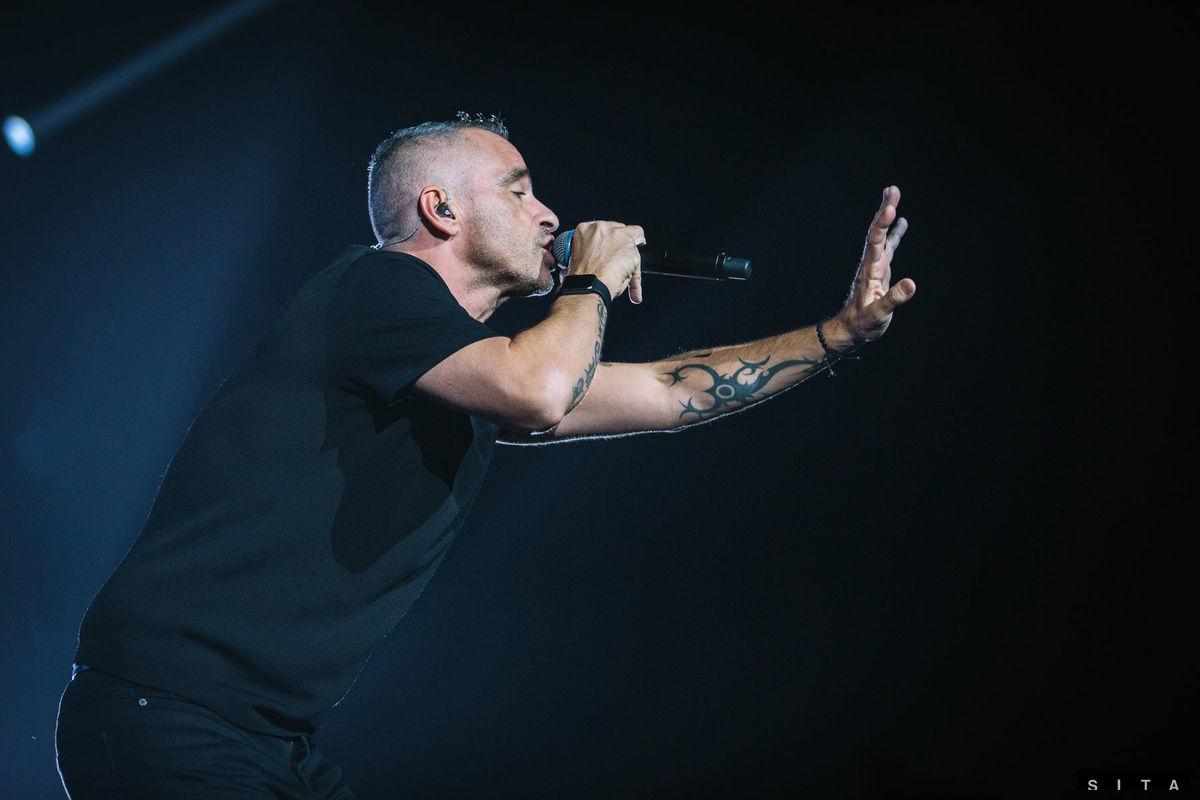 Spevák Eros Ramazzotti počas koncertu na Zimnom štadióne Ondreja Nepelu v rámci Perfetto tour 2016.