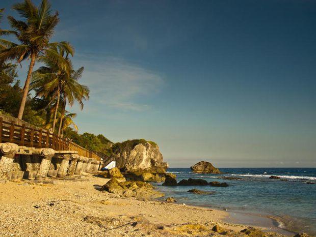 Vďaka štrkovým plážam sú vhodné podmienky aj pre šnorchlovanie.
