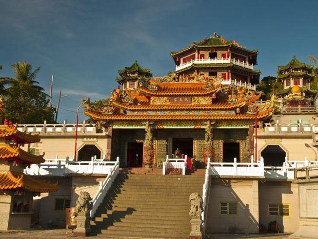 Jeden z najväčších chrámov na ostrove.