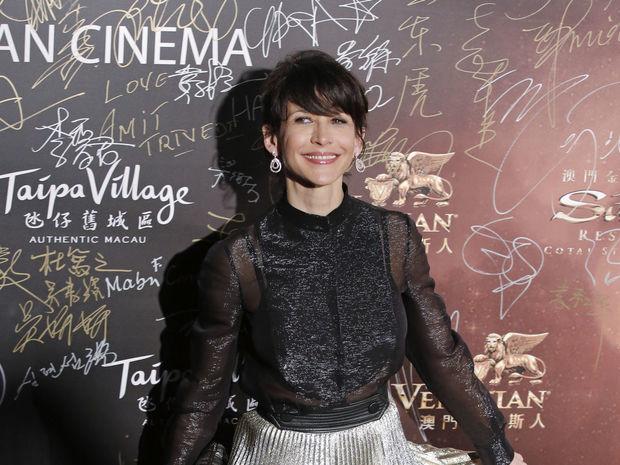 Rok 2016: Francúzska herečka Sophie Marceau pózuje fotografom na Asian Film Awards v Macau.