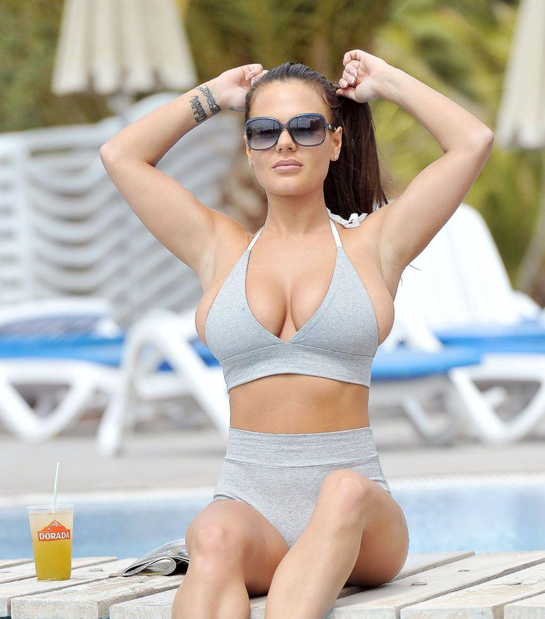 Členka osadenstva televíznej reality-šou Chantelle Connelly si užívala slnko na Tenerife.