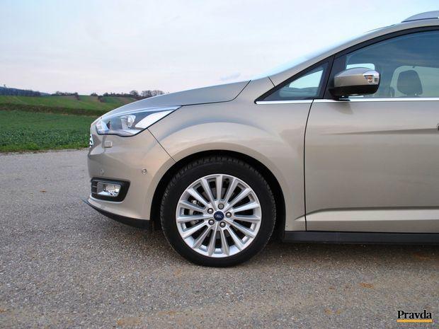 Jazdné vlastnosti má Grand C-Max v rámci kategórie kompaktným MPV na veľmi dobrej úrovni. Prispievali k tomu aj 17 palcové pneumatiky.