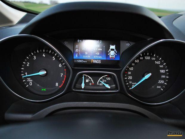 Obyčajný automat je vhodný pre pokojnú jazdu. Kto však chce jazdiť pomaly, asi nesiahne po 150 koňovom benzínovom motore.