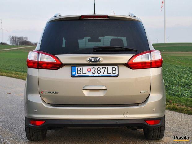 Bez spätných zrkadiel je auto široké 1 828 mm.