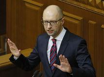 Rusi vydali zatykač na expremiéra Ukrajiny Jaceňuka