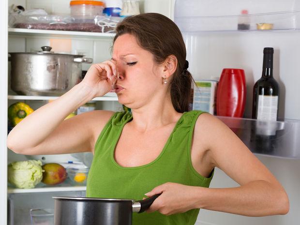 chladnička, zápach, pachy, potraviny