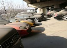 Peking - autá bez majiteľa