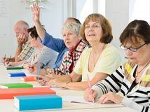 dôchodcovia, sociálne veci, odvody, dane