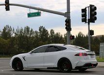 Tesla Model S - 2015