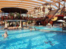 bazén, kúpalisko, kúpanie, wellness, voda, plaváreň, mikuláš, krytý bazén, termálna voda, thermal park