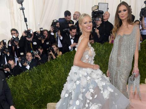 Móda z Met Gala: Oslnila Swift aj Kurková, Minaj sa vulgárne prsila