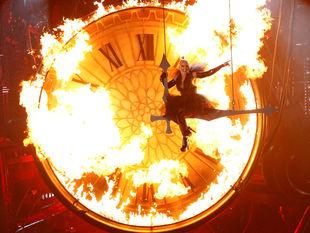 Pink, speváčka, vystúpenie, oheň, plamene