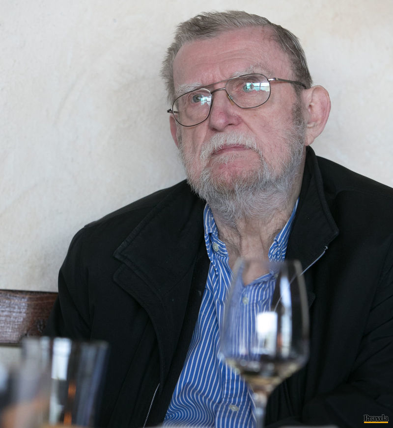 Básnik Ľubomir Feldek.