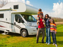 karavan, rodina, dovolenka, prázdniny, príroda, leto, cestovanie